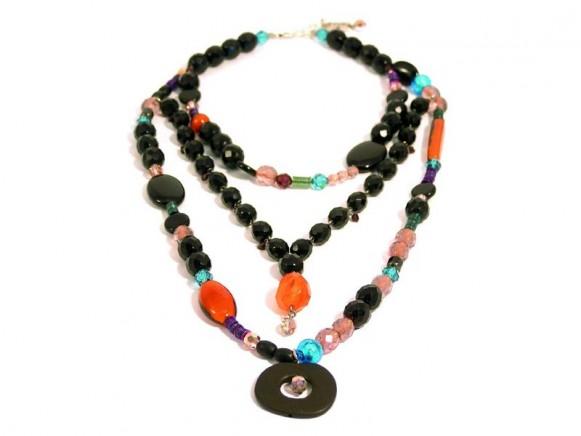 FIVA Halskette (3reihig, schwarz/bunt)