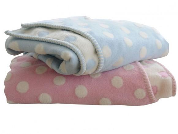 Babydecke / Kinderdecke in pink mit Punkten von Fussenegger
