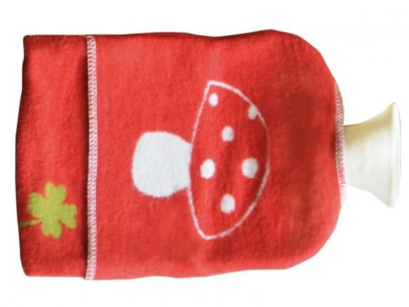 Wärmflasche in rot mit Fliegenpilz von David Fussenegger