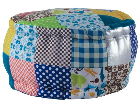 Sitzkissen in Cool-and-Cozy-Farben für Jungen von RICE