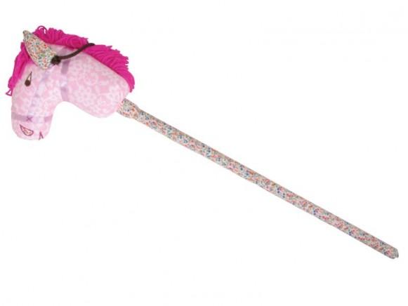 Steckenpferd mit rosa Tapetenmuster von RICE
