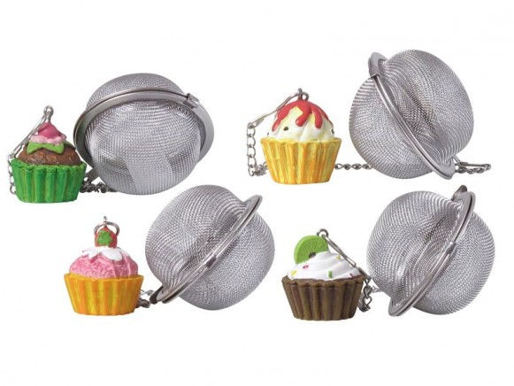 Tee-Ei mit kleinem Muffin-Anhänger von RICE