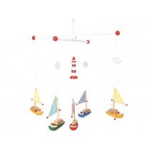 Mobile Segelboote mit Leuchtturm