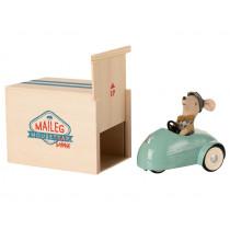 Maileg Maus Kleiner Bruder mit AUTO & GARAGE blau