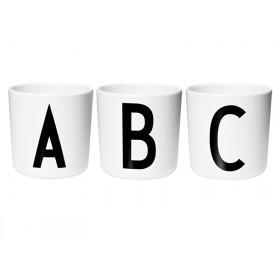 DESIGN LETTERS Arne Jacobsen Melamin Becher