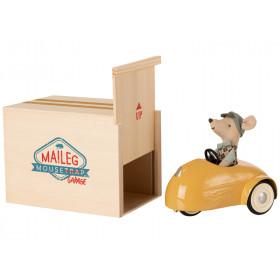 Maileg Maus Kleiner Bruder mit AUTO & GARAGE gelb
