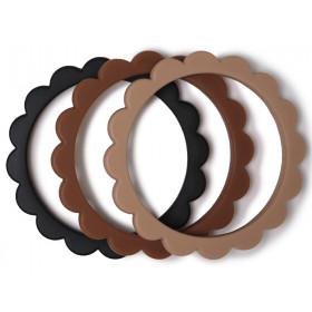 Mushie 3 Beißring Armbänder BLUMEN Black/Natural/Caramel