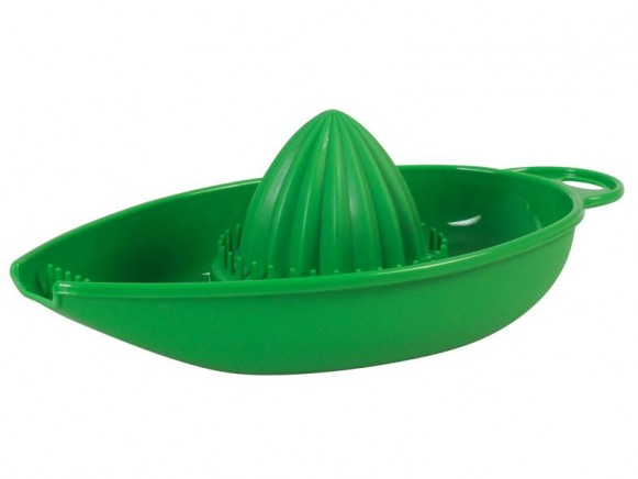 Plastic citrus juicer in green by RICE Denmark