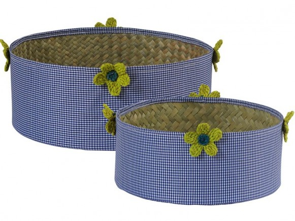 Round basket in blue check fabric with raffia flowers by RICE