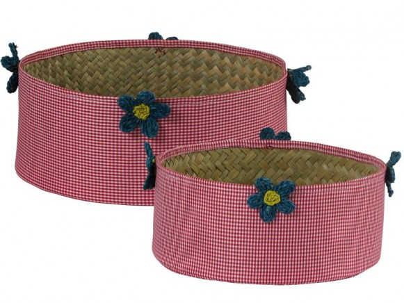 Round basket in red check fabric with raffia flowers by RICE
