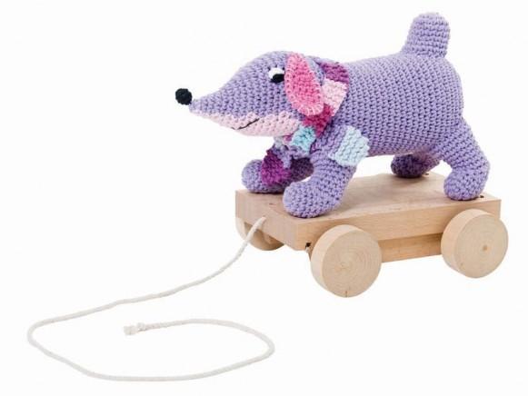 Dog on wheels in purple by Sebra