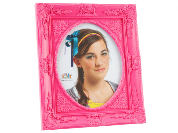 Large baroque photo frame in pink
