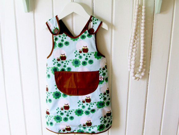 Blafre apron with owls