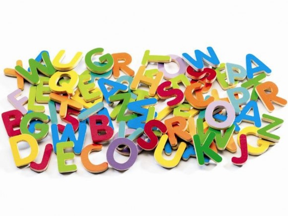 Small magnetic letters by Djeco