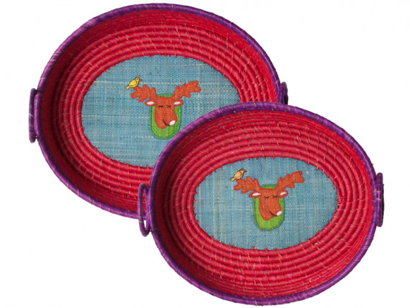 Oval red-purple raffia basket with moose application by RICE