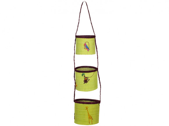 Hanging storage baskets in raffia with zoo animals by RICE