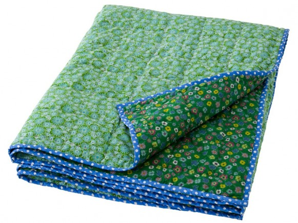 Cotton quilt in green flower print by RICE