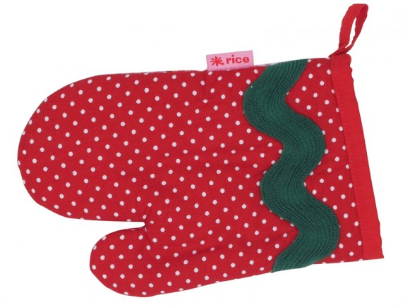 Kids oven mitten in red and white fabric by RICE Denmark