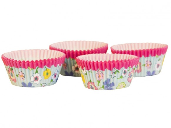 Cake cups with mint flower print