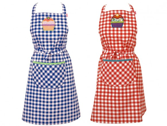 Apron with cup cake by RICE