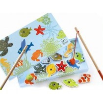 Enchanted tropical fishing game with magnetic rods by Djeco