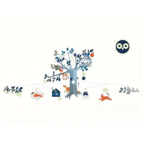 Mobile with animals and tree at night by Djeco