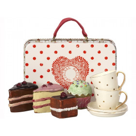 Maileg Suitcase with Cake & Tableware