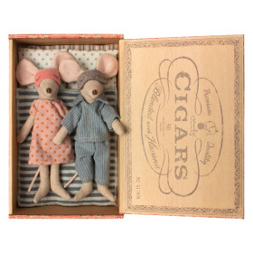 Maileg Mouse Mum & Dad in Cigarbox SLEEPY
